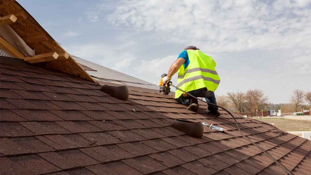 Roof Repair Made Easy in Dalworthington Gardens